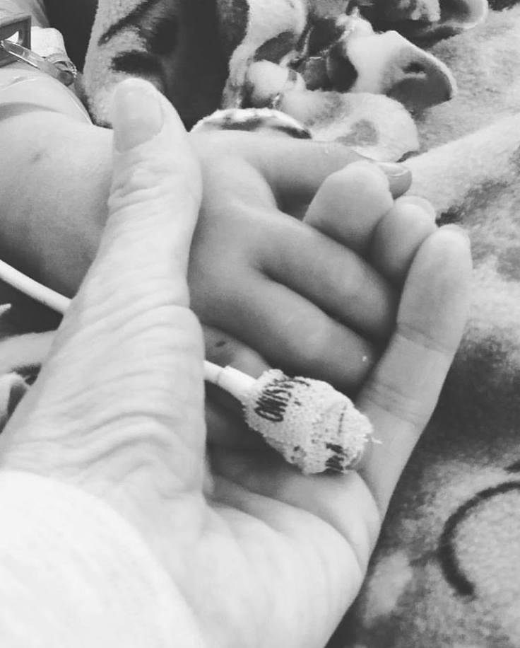 gia hand